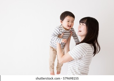 Parent child's two shot, coordinated outfits