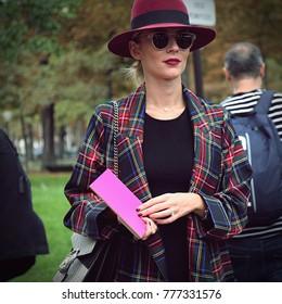 PARIS- 28 September 2017 Woman on the street during the Paris Fashion Week