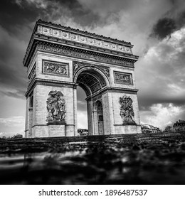 Paris, arc de triomphe during a cloudy day, Black and white, vintage view