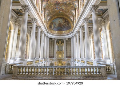 Paris - August 31: Famous Royal Chapel inside Versailles on August 31, 2013 in Paris, France