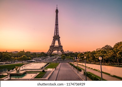 Paris eifel tower Sunrise