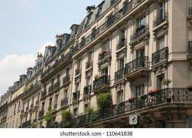 Paris, elegant apartment buildings