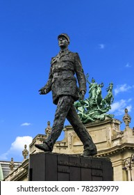 Paris, France - 05/10/2010 - Paris, France - Charles De Gaulle Statue