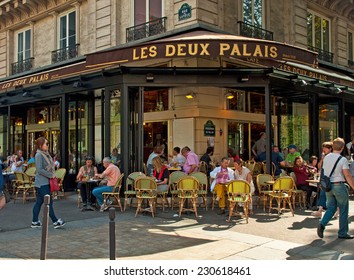 PARIS, FRANCE - 07 SEPTEMBER, 2014: Typical bar in the old town of Paris, France on 7 September 2014. . Paris is one of the most populated metropolitan areas in Europe full of bars and cafes.