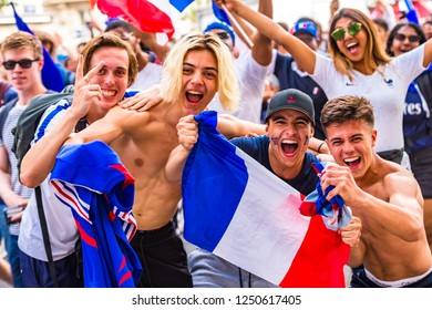 Paris, France. 15th July, 2018. Large crowds turn out in Paris to watch France win the World Cup. Paris, France.