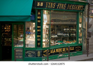 Paris France 24th May 2015 Wine shop on Rue du Faubourg