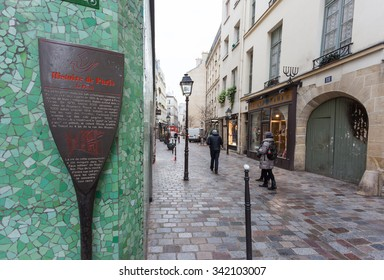 Paris, France - 25 November 2015: In the heart of Paris, between the third and fourth arrondissement, home to the Jewish quarter, one of the most multi-ethnic of the entire capital.