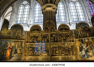PARIS, FRANCE, APRIL 13,  2017 : interiors and details of Saint-Germain L'Auxerrois church, april 13, 2017, in  Paris, France