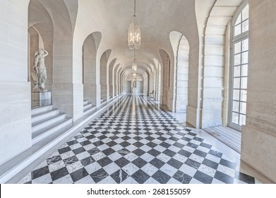 PARIS, FRANCE - APRIL 8, 2015 : The Low Gallery (Gallerie Basse) in the central wing of Palace of Versailles, the residence of the kings Louis XIV, Louis XV and Louis XVI.