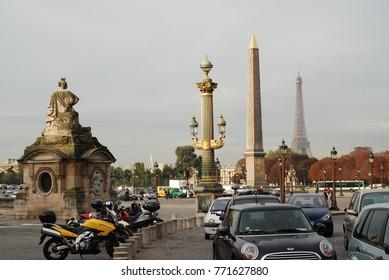 Paris, France – CIRCA October 2009: Traffic in Concorde square in Paris