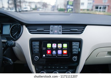 Apple Carplay Images, Stock Photos & Vectors | Shutterstock