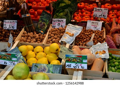 Paris; France - december 22 2017 : a grocer in Francs Bourgeois street