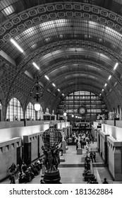 PARIS, FRANCE - DECEMBER 27 2013: Visitors in the Orsay Museum