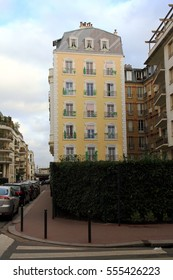 PARIS ?? FRANCE: DECEMBER 27, 2016. Facades of buildings painted by urban artists in the districts of Paris.
