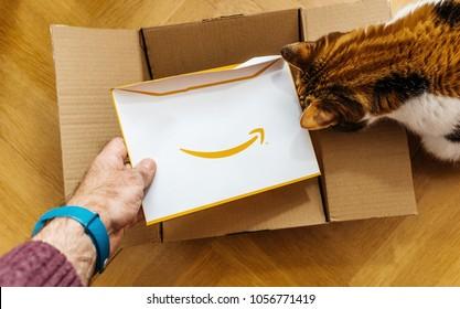 Imágenes, fotos de stock y vectores sobre Logo Amazon