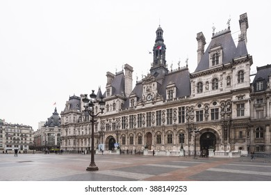 PARIS, FRANCE - JANUARY, 2015: View ot the Hotel de Ville in a rainy day.