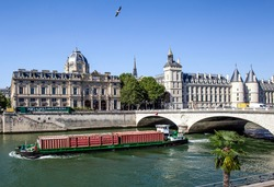 paris-france-july-9th-2018-250nw-1132317