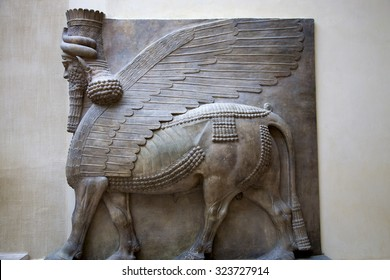 PARIS, FRANCE, MARCH 27: Mesopotamian art intended to serve as a way to glorify powerful rulers and their connection to divinity. Sculpture at the Louvre Museum in Paris, France 2012.