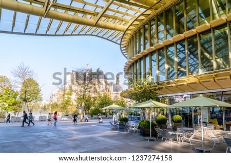 Paris France October 18 2018 La Stock Photo Edit Now 1237274158