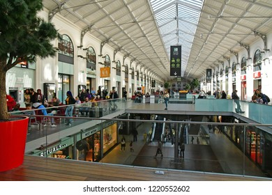 Paris; France - september 30 2018 : store in the Saint Lazare station