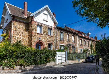"""Paris, France - September 9, 2020: Beautiful old house, like in the countryside, in the center of Paris, in the area called """"la campagne à Paris"""""""