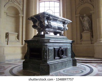 Paris, France-August 07, 2009: The inside of Napoleon's Tomb, the Dome des Invalides at Les Invalides Museum.