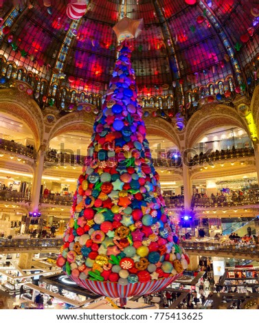 Paris france-December 13 2017: the Christmas decorations at shopping center  Galeries Lafayette located - Paris France December 13 2017 Christmas Decorations Stock Photo