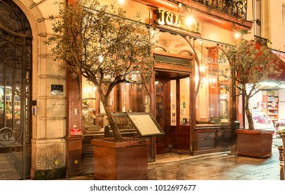 Paris, France-January 28, 2018 :Located right in the heart of Paris, a stone s throw from the Grands Boulevards and theatres, Brasserie Julien is a listed historical monument.