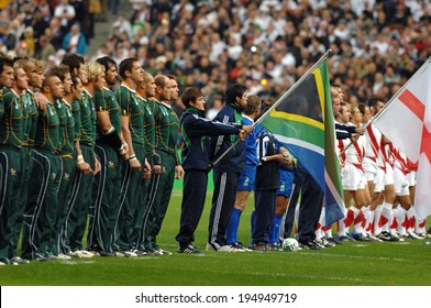 PARIS, FRANCE-OCTOBER 21, 2007: south africa and england players singing national anthems during the final England vs South Africa, of the Rugby World Cup, France 2007, in Paris