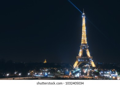 Paris, French - Nov 12 2016 : Night view of eiffel tower with light glowing landmark at night