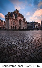 Paris gate in lille during sunset