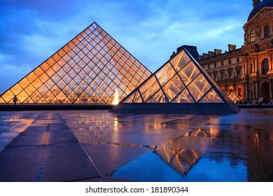Paris July 22 Louvre Pyramid On Stock Photo (Edit Now) 181890344