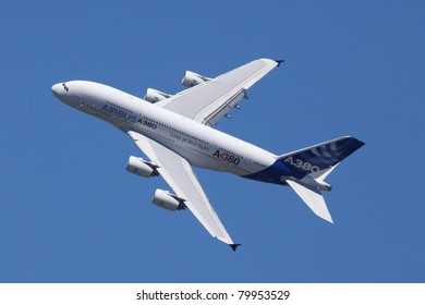 PARIS - JUN 26: Airbus A380 (largest passenger airliner in the world) on 49th Paris Air Show on June 26, 2011 in Paris, France.