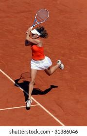 PARIS - JUNE 1: Agnieszka Radwanska of Poland in action at French Open, Roland Garros on June 1, 2009 in Paris, France.