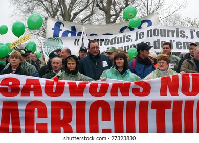 PARIS - MARCH 25: French farmers demonstrate to against the plan of French agriculture minister Michel Barnier on the redistribution of the European financial aids on March 25, 2009 in Paris, France