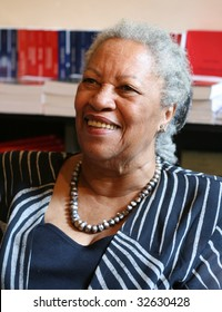 PARIS - MAY 12: Toni Morrison, a Nobel Prize-winning American author, editor, and professor during the autograph session in the L'arbre a Lettres bookstore on May, 12, 2009 in Paris, France