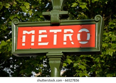 Paris metro entrance sign