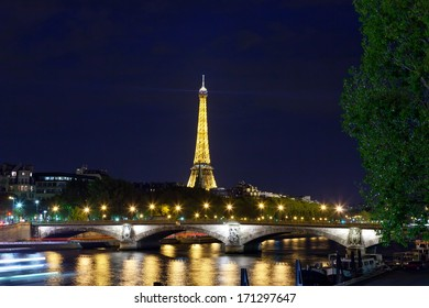 PARIS - OCTOBER 1: Eiffel tower at night on October 1, 2012 in Paris. Night in Paris with Eiffel tower, most visited monument of France with 200.000.000 visit