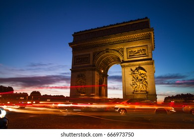 PARIS - OCTOBER 6, 2016: : The Triumphal Arch de l Etoile ( arc de triomphe) . The monument was designed by Jean Chalgrin in 1806 in Paris, France on October 6, 2016