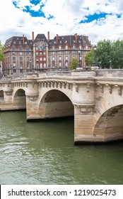Paris, panorama of the Pont-Neuf, with typical buildings in background quai de Conti