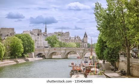 Paris. The Pont Neuf and Cite island.