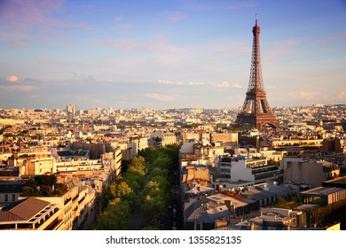 Paris sunset city view with Eiffel Tower.
