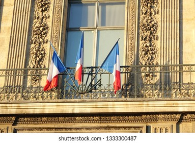 PARIS-FRANCE-FEB 25, 2019: The Louvre is the world's largest art museum and a historic monument in Paris, France.