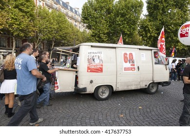 PARIS,FRANCE,SEPTEMBER 24 2010:demonstration against the retirement reform proposed by Nicolas Sarcozy government, union protesters