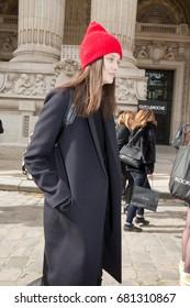 PARIS-MARCH 4, 2015. Top model during Paris fashion week. Street style fashion.