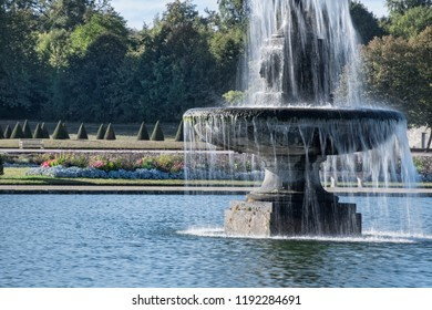 Paris's Fontaineblue chateau's fountain