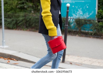 PARIS-SEPTEMBER 27, 2017. Street style meanwhile Paris fashion week. Ready to wear
