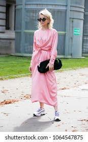 PARIS-SEPTEMBER 29, 2017. Street style during Paris fashion week. Ready to wear.