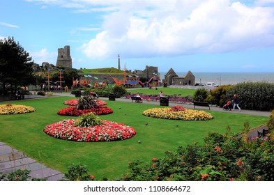 "Park ""Castle Grounds"" in welsh coastal town Aberystwyth (United Kingdom), 8-28-2015"