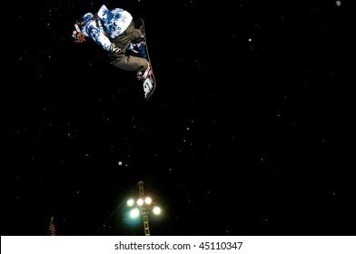 PARK CITY, UT - JANUARY 22: Shaun White participates in the US Snowboarding Grand Prix on January 22, 2010 in Park City, Utah.
